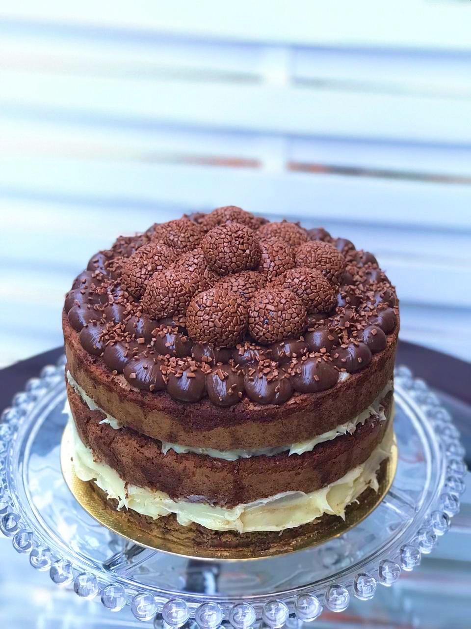 Cookie Cake com Brigadeiros Enroladinhos